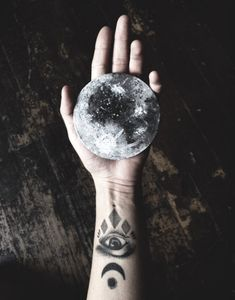 Really cool moon and mystic tattoos. Wiccan, Witchcraft, Witch Aesthetic, Aesthetic Photo, Nature Tattoos, Full Moon, Body Art, Just For You, Photoshop
