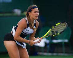 Michelle Puig Canadian Tennis Player, American Tennis Players, Tennis Players Female, Monica Puig, Athletic Models, Athletic Women, Tennis Photography, Rio De Janeiro, Legs