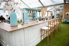 Tiffany Blue and White Outdoor Reception Bar | photography by http://lauranegriphotography.com