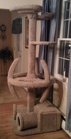Star Trek Cat Tree For Trekkies With Cats. Now I want a cat so I can have this. Wonder if my dog would like it?