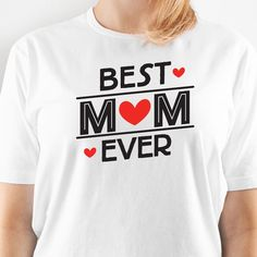 Make this Easy Image® Mother's Day T-Shirt for Mom to show that you think she's the best Mom ever! Funny Shirt Sayings, Shirts With Sayings, Funny Shirts, Mothers Day T Shirts, Mom Shirts, Mom Costumes, Mother's Day Diy, Best Mom, Diy Fashion