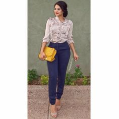mentions J'aime, 66 commentaires - Maria Palafox Business Professional Outfits, Professional Wear, Linen Pants Women, Pants For Women, Clothes For Women, Classy Outfits, Casual Outfits, Fashion Outfits, Women's Fashion