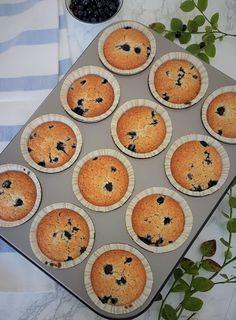 Helpot gluteenittomat mustikkamuffinit | Himoleipuri 200 Calories, Gluten Free, Cupcakes, Breakfast, Food, Decor Ideas, Glutenfree, Morning Coffee, Cupcake