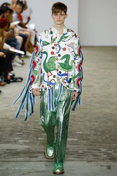 The complete Walter Van Beirendonck Spring 2017 Menswear fashion show now on Vogue Runway. Fashion 2018, Fashion Art, Runway Fashion, High Fashion, Fashion Show, Mens Fashion, Fashion Design, Fashion Trends, Anti Fashion