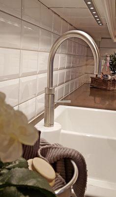 Studio Sigdal Ålesund. Herregård Palett Quooker Styling: Amalie Fagerli Alesund, Sink, Studio, Home Decor, Sink Tops, Vessel Sink, Decoration Home, Room Decor, Vanity Basin