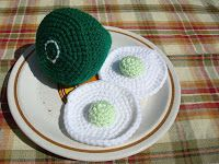 NyanPon's Knits and Crochet: Green Eggs and Ham free pattern. I made this for a Sam I Am costume for the little man. Awesome!