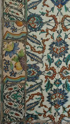 16th c Iznik tiles in Topkapi Palace with an interesting 'restoration' - Istanbul, Turkey