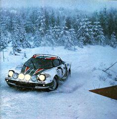 Walfridsson (Lancia Stratos HF) rallye de Suède 1976 - L'Automobile avril 1976.