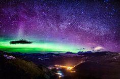 Espectaculares fotos de Auroras Boreales sobre las Montañas Rocosas
