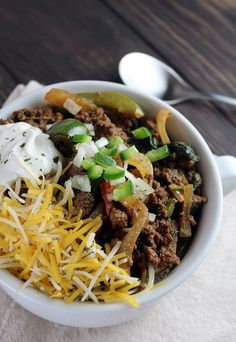 A stunningly easy #keto chili that's ready in just over 30 minutes. Plus, the leftovers last for days! Shared via //www.ruled.me/?utm_content=buffer6b670&utm_medium=social&utm_source=pinterest.com&utm_campaign=buffer