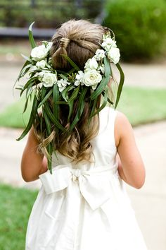 At Southern Weddings you'll find daily Southern wedding inspiration, real Southern weddings, and the best Southern wedding vendors. Wedding Bells, Diy Wedding, Dream Wedding, Wedding Day, Southern Wedding Inspiration, Garden Wedding Inspiration, Restaurant Wedding, Rings For Girls, Flower Girl Dresses