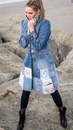 Upcycling your former jeans by Trudi de Kreek Shop Shabby Shack Vintage Denim in Courtyard Antiques in the Mason Antiques District. Jeans Denim, Diy Jeans, Patched Denim, Blue Jeans, Recycled Fashion, Recycled Denim, Clothes Refashion, Diy Clothes, Estilo Jeans