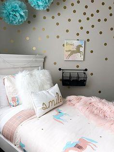 Simple tween unicorn themed bedroom.