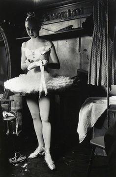 Allegra Kent in Tokyo, 1956. Photo: Elliott Erwitt.