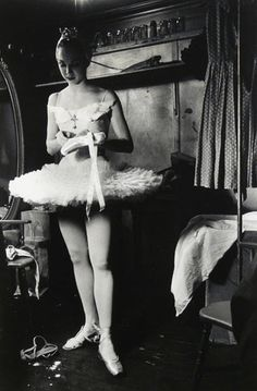 Allegra Kent in Tokyo, 1959. Photo: Elliott Erwitt.