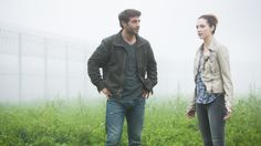 #Zoo: James Wolk as Jackson Oz and Kristen Connolly as Jamie Campbell #Episode3