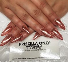 Rose gold chrome by Emily #PriscillaOnoSalon Make your appointments +1 (323) 365-2733