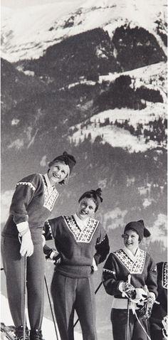 photo print women in ski wear sweaters pants knit sportswear casual 1930s era ? Norweger pullover und Ski Keilhosen - Skimode in den Alpen ---- Norwegian sweaters & stretch ski pants.
