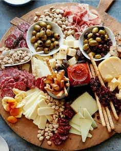 The Ultimate Appetizer Board from www. (What's Gaby Cooking) The Ultimate Appetizer Board from www. (What's Gaby Cooking) Snacks Für Party, Appetizers For Party, Appetizer Recipes, Meat Appetizers, Appetizer Ideas, Birthday Appetizers, Party Recipes, Easter Appetizers, Party Drinks