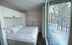 Finland Trip Ideas indoor bed wall room property window Architecture ceiling home house real estate Bedroom snow interior design wood bed frame daylighting floor Winter Glass Cabin, Glass House, Forest Hotel, Snow Cabin, Treehouse Hotel, Cottage Windows, Wood Interior Design, Bed Wall, Home Bedroom