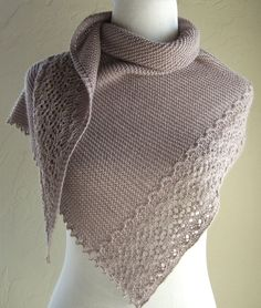 Lavande Grise Knitting pattern by Melanie Rice Knitted Shawls, Crochet Shawl, Knit Crochet, Arm Knitting, Knitting Stitches, Ravelry, Christmas Knitting Patterns, Shawl Patterns, Poncho