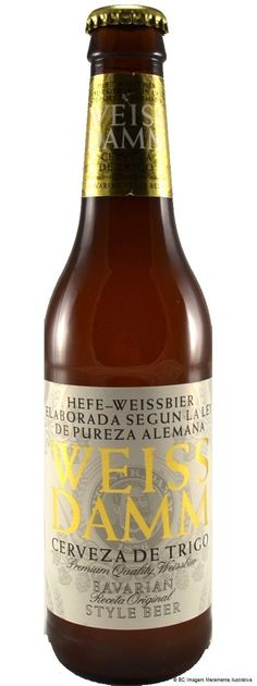 Weiss Damm 330ml Beers Of The World, Wheat Beer, Beer Bottles, Craft Beer, Ds, Brewing, Cool Designs, Alcohol, Packaging