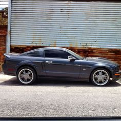 Ponycar GT #ford #fordmustang #mustang #mustangfanclub #mustanggt #morninautos #soloparking #chivera #ponycar #americancae #americanmuscle (at Los Dos Caminos)