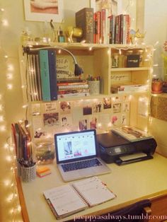 11 Unexpected Ways to Decorate Your Dorm With Holiday Lights is part of Study Room Organization - 1 is a yearround dorm decor staple! Dorm Desk Decor, Dorm Desk Organization, Dorms Decor, University Rooms, Student Room, Study Room Decor, Study Rooms, Uni Room, Dorm Life