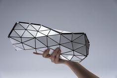 Bao Bao Issey Miyake et NR Foldings ont collaboré pour créer le sac futuriste « Distortion »