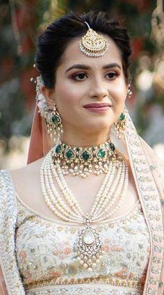 Emerald Jewelry, Diamond Jewelry, Pakistani, Jewelery, Pearl Necklace, Indian, Bride, Pearls, Diy