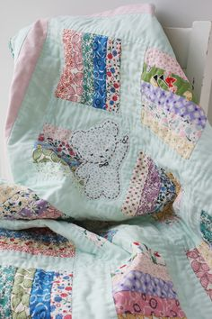 Yummy quilt made by Amy of nanacompany from everything but the kitchen sink by rjr fabrics - such a sweet quilt