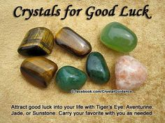The Earth provides many of the necessary tools needed to help heal the body, mind and spirit. One of these tools is Reiki healing stones and crystals. These stone are used to help align and unblock the life force in the body. Crystal Uses, Crystal Healing Stones, Crystal Magic, Crystal Grid, Stones And Crystals, Gem Stones, Crystals For Luck, Jade Crystal, Crystal Jewelry