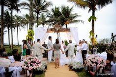 abraço coletivo casamento Aretha e Rodrigo Riviera de São Lourenço