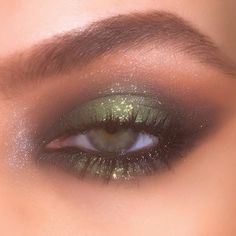Make-up-Marken Augen Make-up sieht am besten auf . - makeup brands eye makeup looks best on me without eye makeu… Make-up- - Make Up Palette, Makeup Inspo, Makeup Inspiration, Makeup Ideas, Makeup Geek, Prom Makeup, Makeup Tips, Goth Makeup, Wedding Makeup