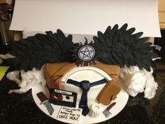 Bolo Supernatural, Supernatural Birthday Cake, Supernatural Fashion, My Birthday Cake, 16th Birthday, Crystal Cake, 16 Cake, Novelty Cakes, Cute Cakes