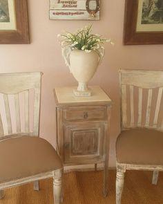 """1 """"Μου αρέσει!"""", 0 σχόλια - @patinacreation στο Instagram: """"#homedecor #λ#interiordesign #interior #home #decor #design #homedesign #handmade #homesweethome…"""" House Design, Decor, Side Table, Interior Design, Furniture, Table, Home, Interior, Home Decor"""