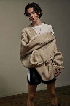 Find images and videos about timothee chalamet, call me by your name and cmbyn on We Heart It - the app to get lost in what you love. Beautiful Boys, Pretty Boys, Beautiful People, Vman Magazine, Greta Gerwig, Timmy T, Shay Mitchell, Millie Bobby Brown, The Villain