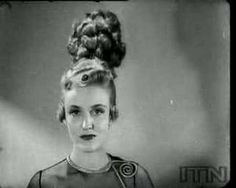 A hilarious clip depicting what designers sometime around the 1930's thought fashion in 2000 would look like.