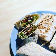 """Ника Ситник🐾 on Instagram: """"Шавуха в дорогу😄#никаситникеда"""" Tacos, Mexican, Ethnic Recipes, Food, Essen, Meals, Yemek, Mexicans, Eten"""