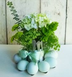 Simple and Pretty Spoon Egg Holder~could use a candle in center or plants or flowers