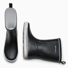#Mother's Day #Tretorn Women's Skerry Vinter Shiny #Rain Boot On Sale for 20.99-89.99 Tretorn Women's Skerry Vinter Shiny Rain Boot Meet Tretorn Reg Price $78.00 Tretorn's Skerry unisex rubber boots were designed for sailing, but are well suited for city adventures. This…