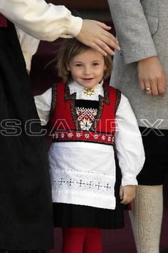 Little Dogs, Traditional Outfits, Just Love, Cute Kids, Norway, Costumes, Children, Tees, Roots