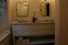 all the details--marble coutertops, wainscoting, subway tile