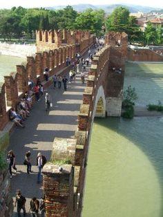 Ponte Vecchio | Top 10 famous bridges you must