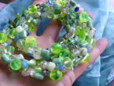 Nicht nur im Sommer funkelt dieses Farbspiel in allen Grün und lavendelblauen Tönen:   von transparentem zarten Schilf über gelbliches Funkeln in zwei