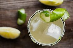 The most perfect classic Margarita recipe is quick and easy to make. This lip smacking tequila cocktail served over ice is the best drink! Classic Margarita Recipe, Margarita Recipes, Cocktail Recipes, Cocktails, Cocktail Drinks, Fancy Drinks, Yummy Drinks, Yummy Food, Mix Drinks