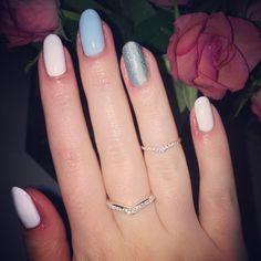 Disney's Cinderella inspired nails
