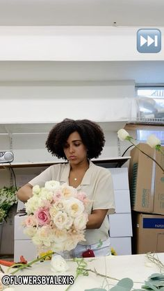 Flower Bouquet Diy, Diy Wedding Flowers, Diy Wedding Decorations, Diy Flowers, Floral Wedding, Wedding Bouquets, Flower Arrangements Simple, Flower Centerpieces, How To Wrap Flowers