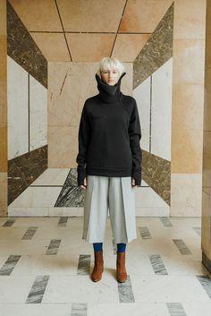 MEI KAWA   Wide Collar Raglan Sweatshirt Fall Winter, Normcore, Sweatshirts, Model, Collection, Fashion, Moda, Fashion Styles