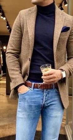 This camel sport coat with blue jeans and dark navy blue turtle neck sweater is a perfect summer or fall casual or date night style. Blazer Outfits Men, Stylish Mens Outfits, Casual Outfits, Men Casual, Smart Casual Menswear Summer, Blue Jeans Outfit Men, Summer Outfits, Smart Casual Coat, Casual Styles